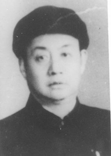 1945年12月,王台任青岛市委代理书记.